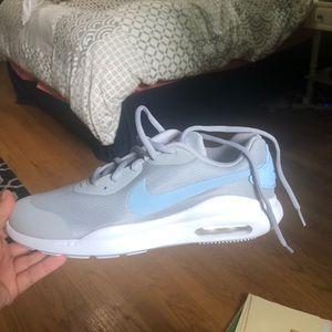 Nike Air Max Oketo Womens Sneakers